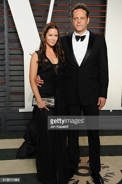 Actor Vince Vaughn and Kyla Weber attends the 2016 Vanity Fair Oscar Party hosted By Graydon Carter at Wallis Annenberg Center for the Performing...