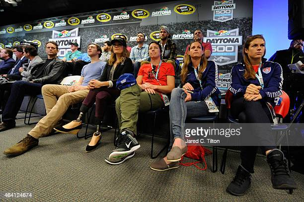 Actor Vince Vaughn singer Phillip Phillips athlete Amy Purdy and United States womens national soccer team members Abby Wambach Christie Rampone and...