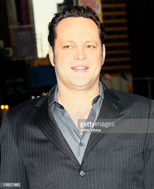 """Actor Vince Vaughn visits """"Late Show With David Letterman"""" at the Ed Sullivan Theater on January 11, 2011 in New York City."""