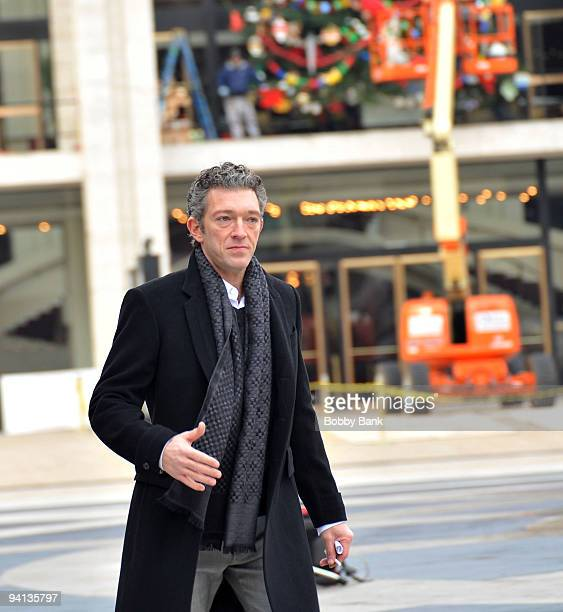 Actor Vincent Cassel films on location for 'Black Swan' on the streets of Manhattan on December 7 2009 in New York City