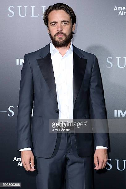 """Actor Vincent Piazza attends The New York Premiere of Warner Bros. Pictures' and Village Roadshow Pictures' """"Sully"""" at Alice Tully Hall at Lincoln..."""