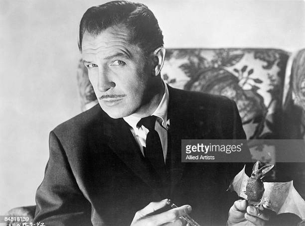 Actor Vincent Price as he appears in the horror film 'The Bat' 1959