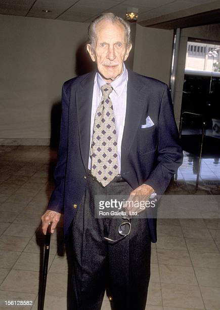 Actor Vincent Price attends the National Cable Forum - FNN Summer TCA Press Tour on July 11, 1990 at Century Plaza Hotel in Los Angeles, California.