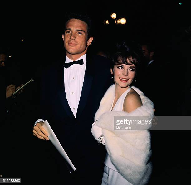 Actor Warren Beatty and actress Natalie Wood arriving at the 1961 Academy Awards presentation