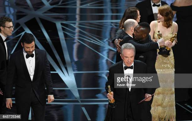 Actor Warren Beatty announces the actual Best Picture winner as 'Moonlight' not 'La La Land' after a presentation error onstage during the 89th...