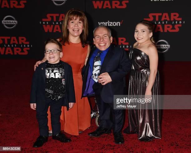 Actor Warwick Davis Harrison Davis Samantha Davis and Annabelle Davis attend the premiere of Disney Pictures and Lucasfilm's 'Star Wars The Last...