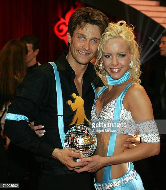 Actor Wayne Carpendale and dancer Isabel Edvardsson pose with the trophy after winning the dancing competition show 'Let's Dance' on TV station RTL...