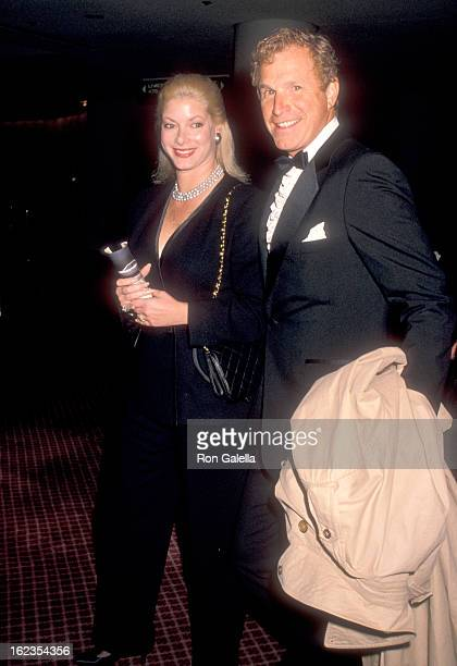 Actor Wayne Rogers and wife Amy Hirsh attend the 'New York Stories' New York City Premiere on February 26 1989 at the Museum of Modern Art in New...