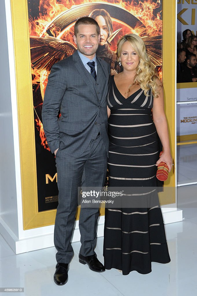 """The Hunger Games: Mockingjay - Part 1"" - Los Angeles Premiere - Arrivals : News Photo"