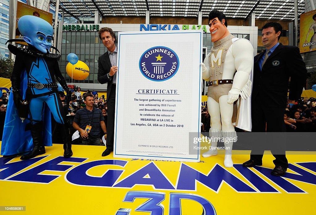 """Actor Will Ferrell costumed superheroes """"Megamind"""" """"Metro Man"""" and...  Fotografía de noticias - Getty Images"""