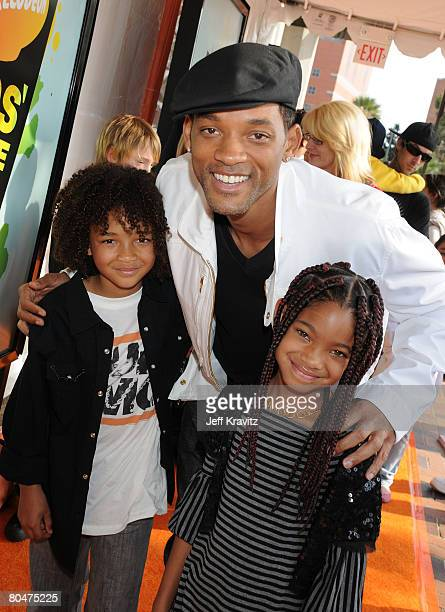 Actor Will Smith and guests arrives on the red carpet at Nickelodeon's 2008 Kids' Choice Awards at the Pauley Pavilion on March 29 2008 in Los...