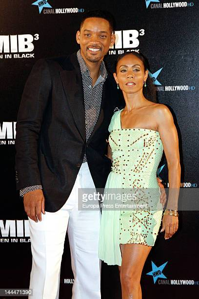 Actor Will Smith and Jada Pinkett Smith attend the 'Men In Black 3' premiere at La Caja Magica on May 13 2012 in Madrid Spain