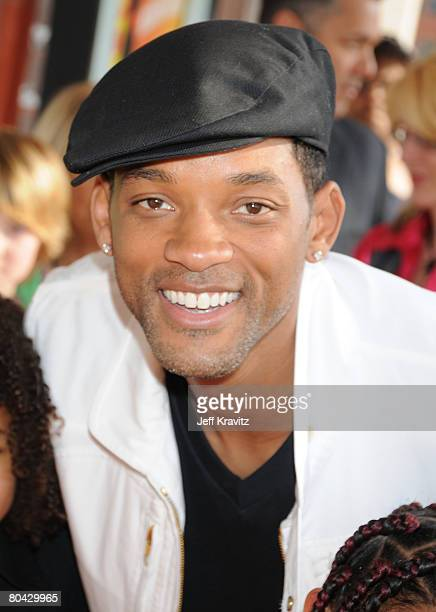 Actor Will Smith arrives on the red carpet at Nickelodeon's 2008 Kids' Choice Awards at the Pauley Pavilion on March 29 2008 in Los Angeles California