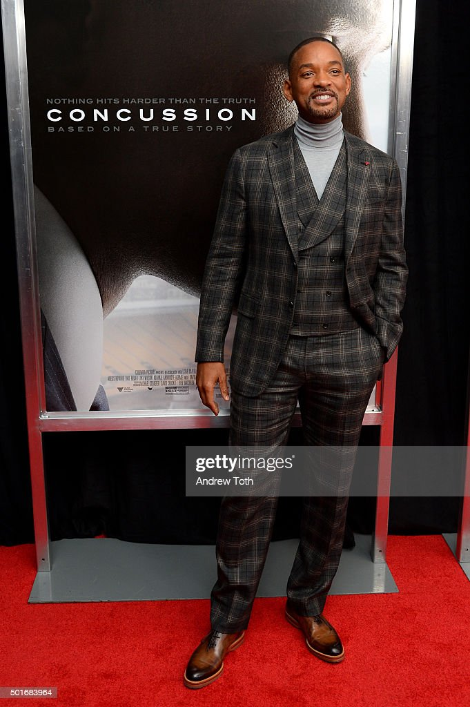 Actor Will Smith attends the 'Concussion' New York premiere at AMC Loews Lincoln Square on December 16, 2015 in New York City.