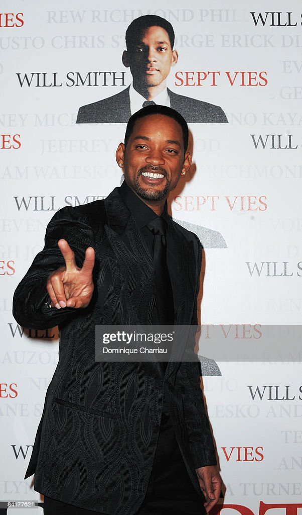 Actor Will Smith attends the Paris Photocall of Seven Pounds at the Gaumont Champs-Elysees on January 5, 2009 in Paris, France.