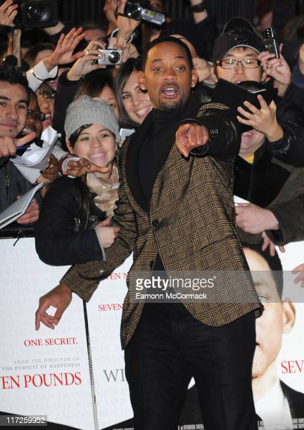 Actor Will Smith attends the Seven Pounds film premiere held at the Empire Leicester Square on January 14, 2009 in London, England.