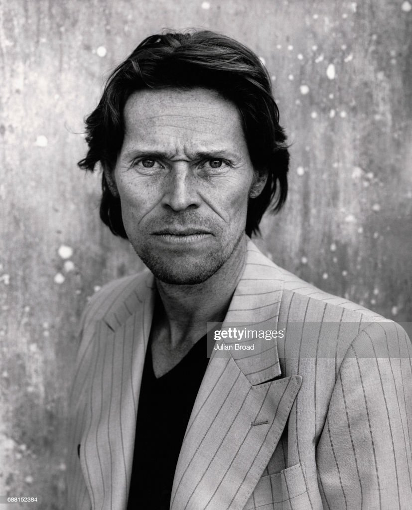 Actor Willem Dafoe poses for a portrait shoot on March 12, 2001 in Los Angeles.