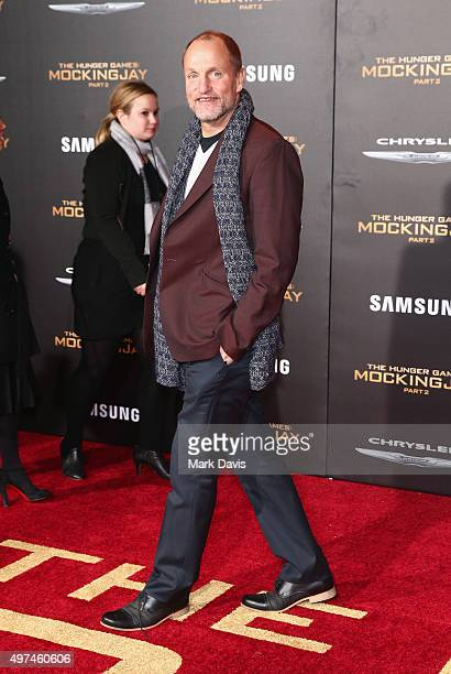 Actor Woody Harrelson attenda premiere of Lionsgate's 'The Hunger Games Mockingjay Part 2' at Microsoft Theater on November 16 2015 in Los Angeles...