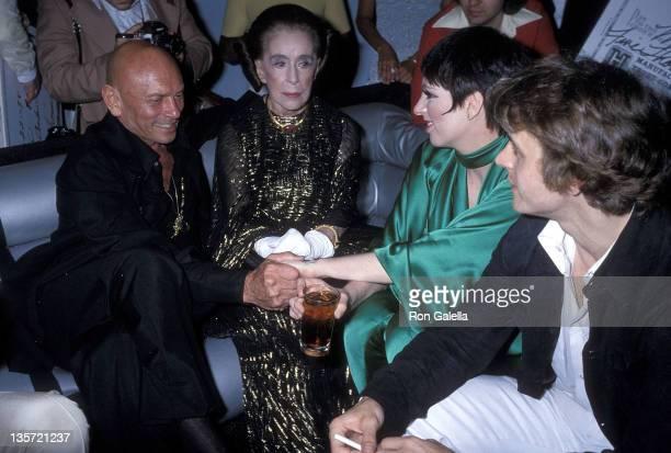 Actor Yul Brynner dancer/choreographer Martha Graham actress/singer Liza Minnelli and dancer Mikhail Baryshnikov attend the Martha Graham Center for...