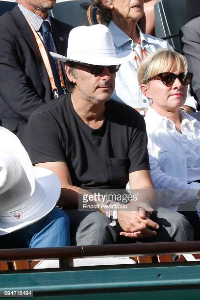 Actor Yvan Attal attends the 2017 French Tennis Open Day Thirteen at Roland Garros on June 9 2017 in Paris France