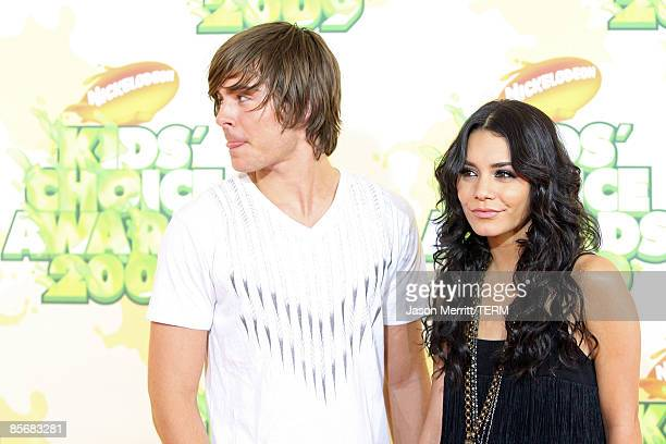 Actor Zac Efron and Actress Vanessa Hudgens arrive at Nickelodeon's 2009 Kids' Choice Awards at UCLA's Pauley Pavilion on March 28 2009 in Westwood...