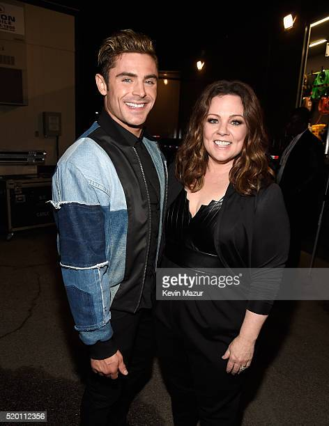Actor Zac Efron and honoree Melissa McCarthy attend the 2016 MTV Movie Awards at Warner Bros Studios on April 9 2016 in Burbank California MTV Movie...