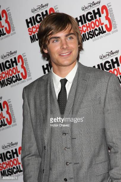 """Actor Zac Efron attends the premiere of """"High School Musical 3"""" at the Cinemark Polanco on October 30, 2008 in Mexico City."""