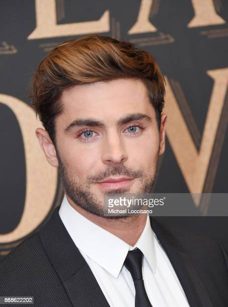 Actor Zac Efron attends the The Greatest Showman World Premiere aboard the Queen Mary 2 at the Brooklyn Cruise Terminal on December 8 2017 in the...