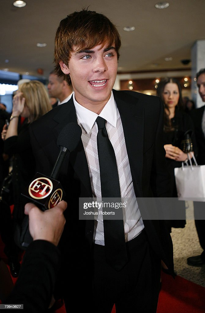 Actor Zach Efron arrives at the White House Correspondents' Association Dinner in April 21, 2007 in Washington, DC.