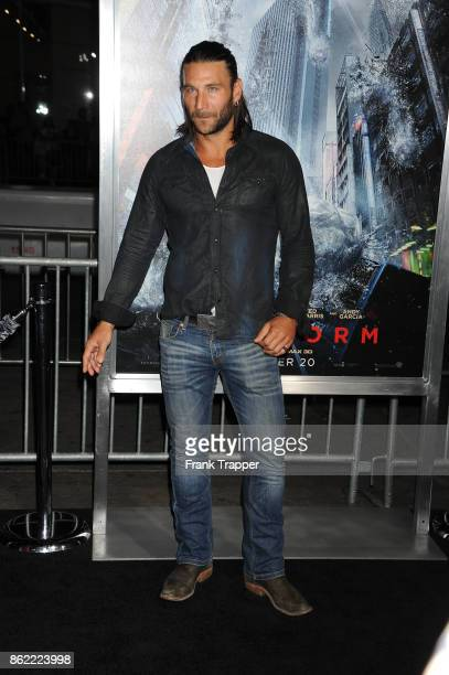 Actor Zach McGowan attends the premiere of Warner Bros Pictures' Geostorm on October 16 2017 at the TCL Chinese Theater in Hollywood California