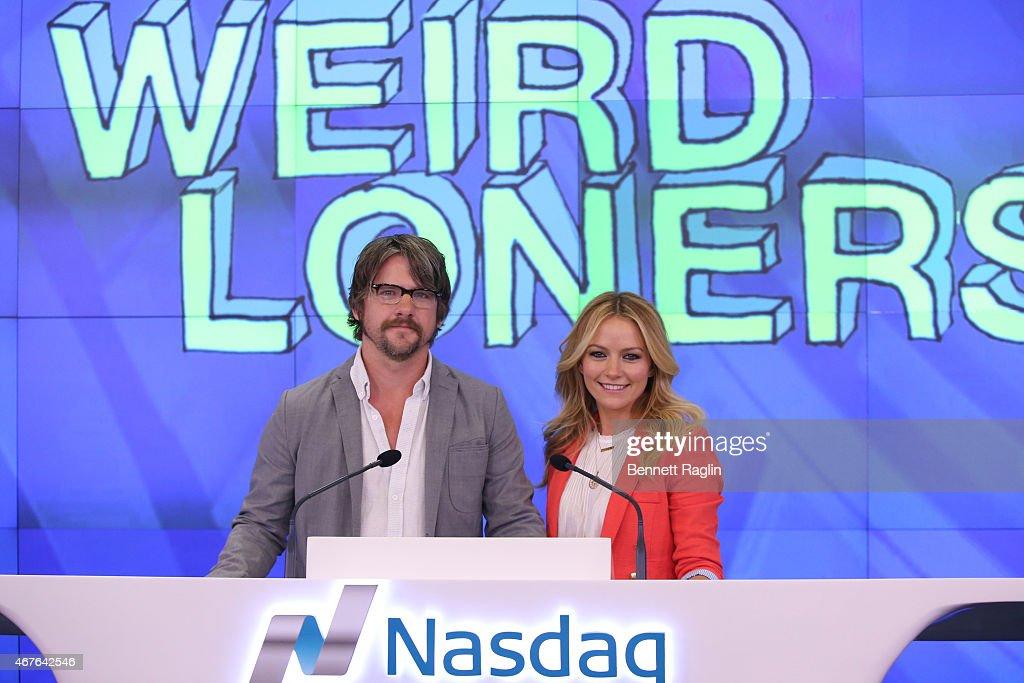 Actor Zachary Knighton and Becki Newton attend the Nasdaq Closing Bell at NASDAQ MarketSite on March 26, 2015 in New York City.