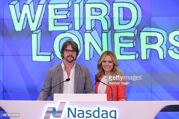 Actor Zachary Knighton and Becki Newton attend the Nasdaq Closing Bell at NASDAQ MarketSite on March 26 2015 in New York City