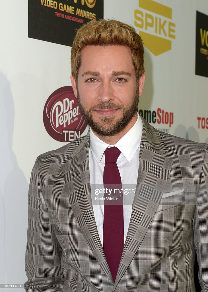 Actor Zachary Levi arrives at Spike TV's 10th annual Video Game Awards at Sony Pictures Studios on December 7, 2012 in Culver City, California.