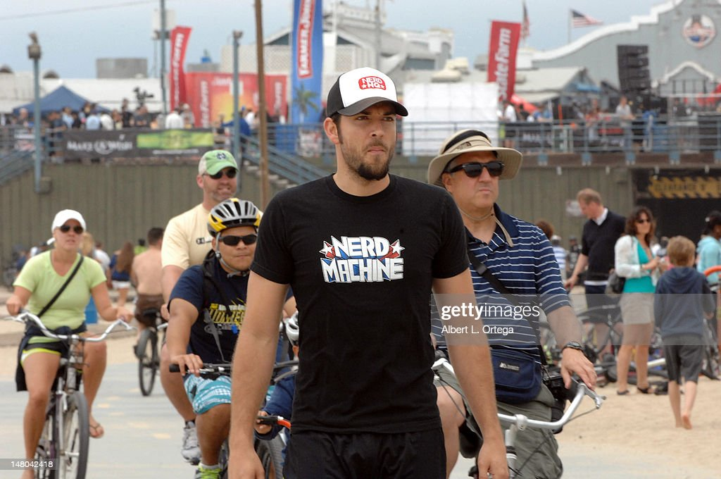 Actor Zachary Levi participates in The Inaugural 'Course Of The Force' Olympic Relay Run with lightsabers to Benefit The Make-A-Wish Foundation hosted by LucasFilm, Nerdist Industries and Octagon held at The Santa Monica Pier on July 7, 2012 in Santa Monica, California.