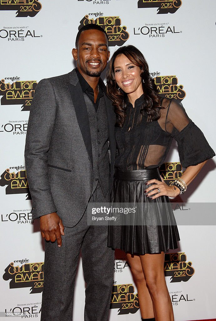 Actor/comedian Bill Bellamy (L) and wife Kristen Baker arrives at the Loreal Style Stage at the Soul Train Awards 2012 at PH Live at Planet Hollywood Resort & Casino on November 8, 2012 in Las Vegas, Nevada.