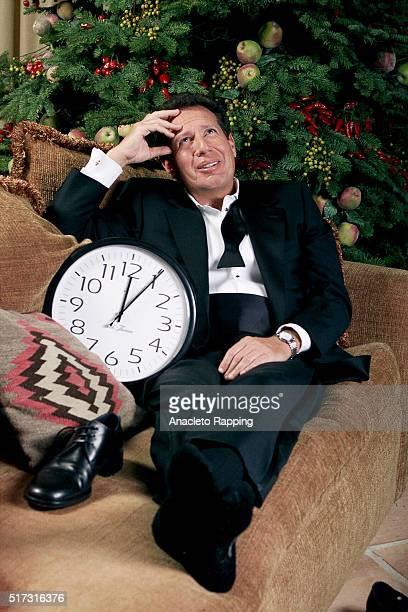Garry Shandling is photographed for Los Angeles Times on December 23 1999 in Los Angeles California PUBLISHED IMAGE CREDIT MUST BE Anacleto...