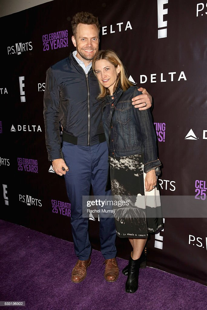Actor/comedian Joel McHale (L) and Sarah Williams attend the pARTy! - celebrating 25 years of P.S. ARTS on May 20, 2016 in Los Angeles, California.