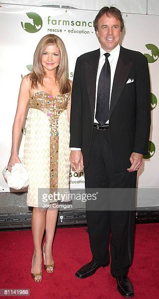 Actor/comedian Kevin Nealon and wife actress Susan Yeagley attend the 2008 Farm Sanctuary Gala for Farm Animals at Cipriani Wall Street on May 17...