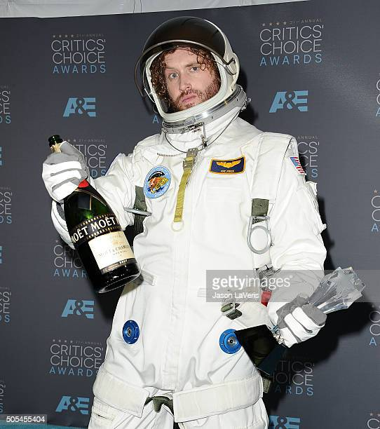 Actor/comedian TJ Miller poses in the press room at the 21st annual Critics' Choice Awards at Barker Hangar on January 17 2016 in Santa Monica...