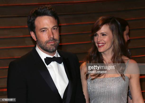Actor/director Ben Affleck and wife actress Jennifer Garner attend the 2014 Vanity Fair Oscar Party hosted by Graydon Carter on March 2 2014 in West...
