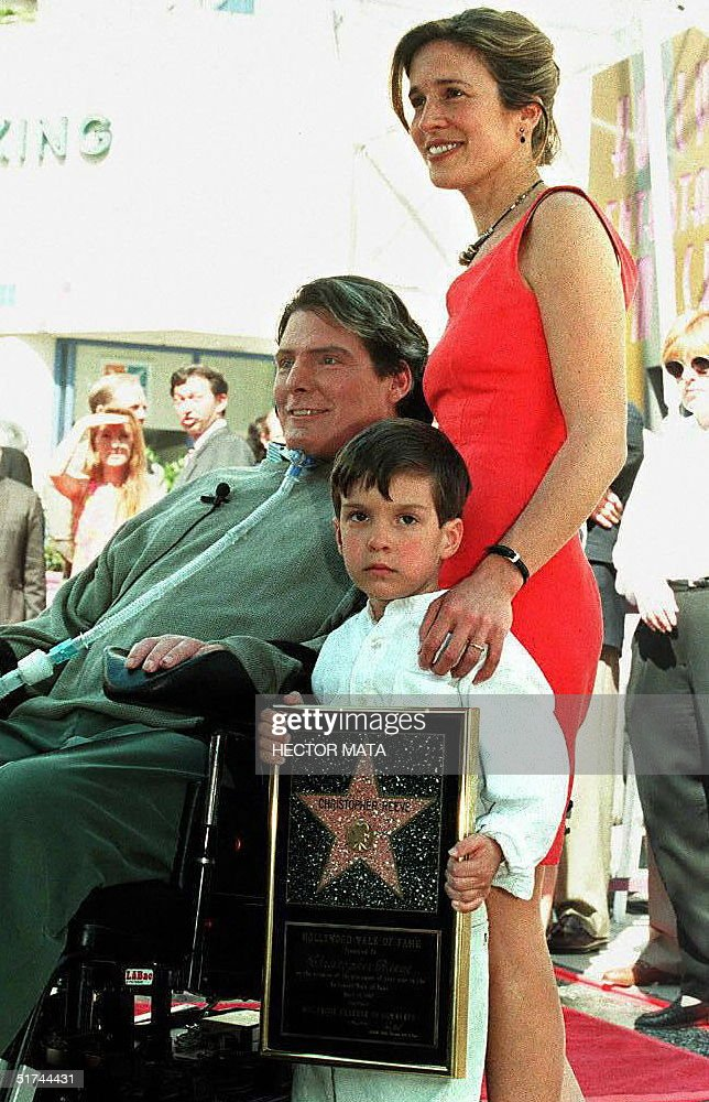 Actor-Director Christopher Reeve poses for journal : News Photo