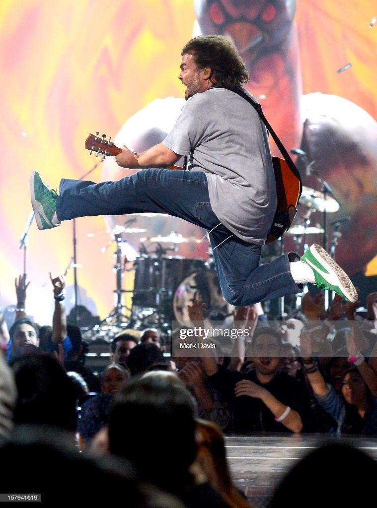 Actor/musician Jack Black (R) of Tenacious D performs onstage during Spike TV's 10th annual Video Game Awards at Sony Studios on December 7, 2012 in Culver City, California.