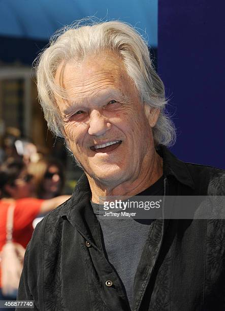 Actor/musician Kris Kristofferson arrives at the Los Angeles premiere of 'Dolphin Tale 2' at Regency Village Theatre on September 7, 2014 in...