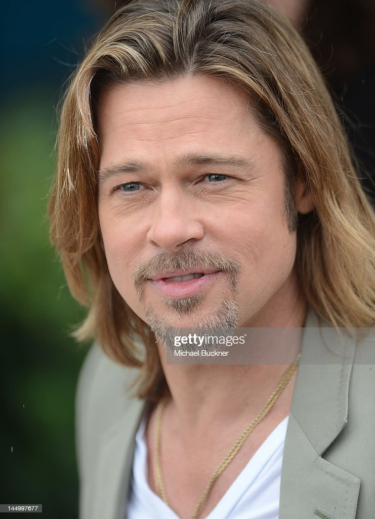 Actor/Producer Brad Pitt attends the photocall for 'Killing Them Softly' during the 65th Annual Cannes Film Festival at the Palais des Festivals on May 22, 2012 in Cannes, France.