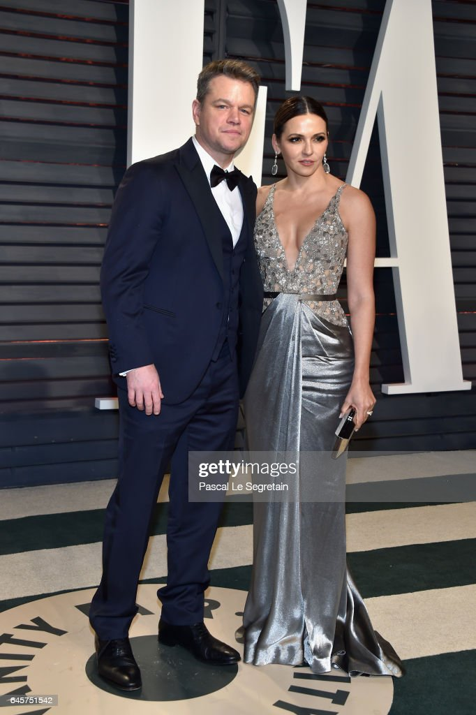 Actor-producer Matt Damon (L) and Luciana Damon attend the 2017 Vanity Fair Oscar Party hosted by Graydon Carter at Wallis Annenberg Center for the Performing Arts on February 26, 2017 in Beverly Hills, California.