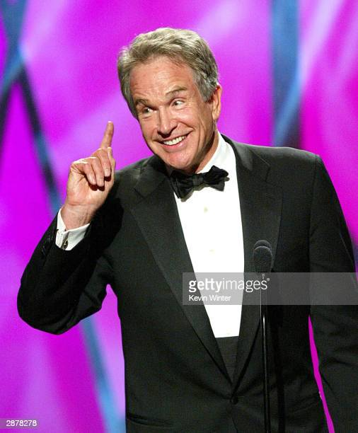 Actor/producer Warren Beatty receives the Milestone Award at the 15th Annual Producers Guild Awards at the Century Plaza Hotel on January 17 2004 in...