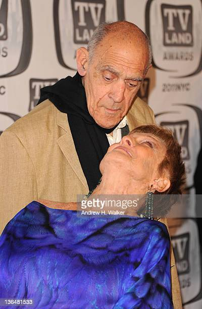 Actors Abe Vigoda and Cloris Leachman attend the 9th Annual TV Land Awards at the Javits Center on April 10 2011 in New York City
