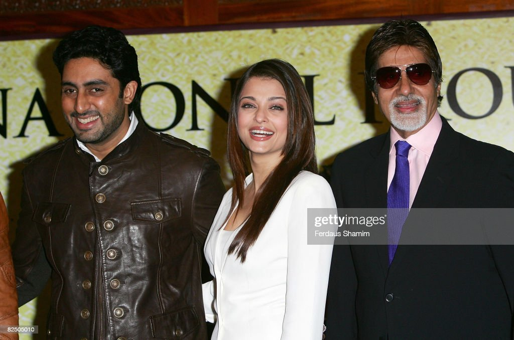 Actors Abhishek Bachchan Aishwarya Rai Bachchan and Amitabh Bachchan promotes The Unforgettable Tour at Crown Plaza St James Hotel on August 21 2008..