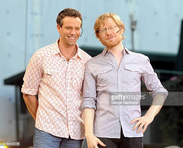 Actors Adam Pascal and Anthony Rapp from the Broadway play 'Rent' perform on ABC's 'Good Morning America' in Bryant Park on August 1 2008 in New York...