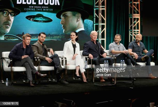 Actors Aidan Gillen Michael Malarkey Laura Mennell and Neal McDonough creator/writer/coExecutive Producer David O'Leary and...